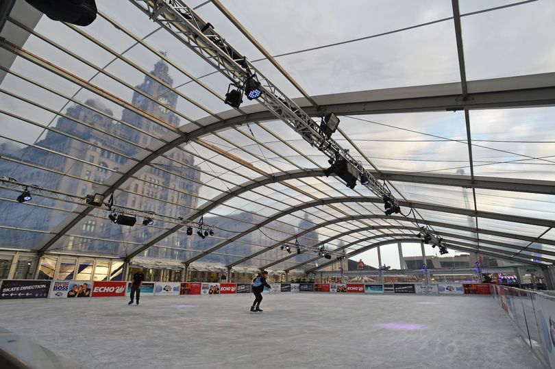 liverpool-ice-festival-pier-head