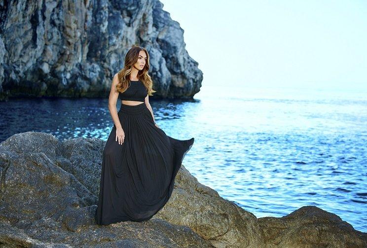 Black dress standing A