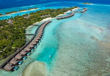 FAMILY TRAVEL REVIEW: Winter Sun in the Maldives.